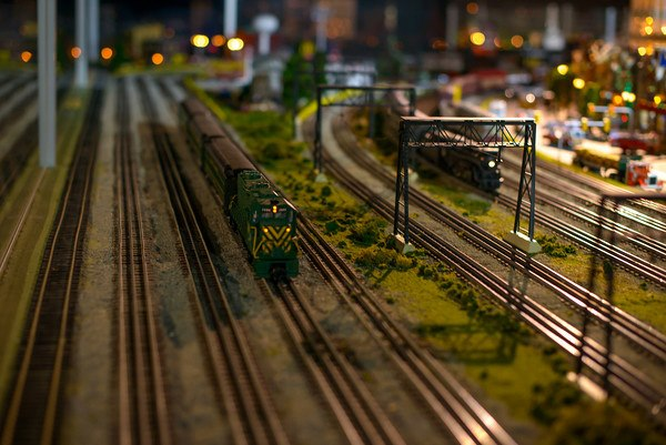 merchants-square-model-train-exhibit-2
